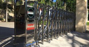 Lắp đặt cổng xếp inox hợp kim tự động