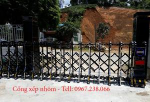 Lắp đặt cổng xếp nhôm hợp kim tự động