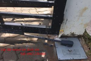 Lắp đặt cổng tự động motor chôn âm dưới nền