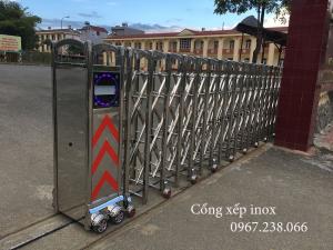 Cổng xếp điện inox tự động