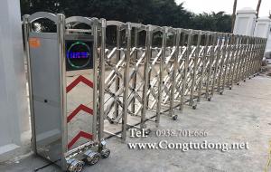 Cửa cổng xếp inox tự động