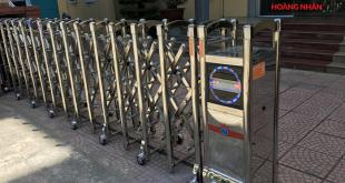 Cổng xếp inox tự động có ray